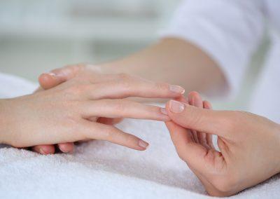 Finger Kneeding_Treatment